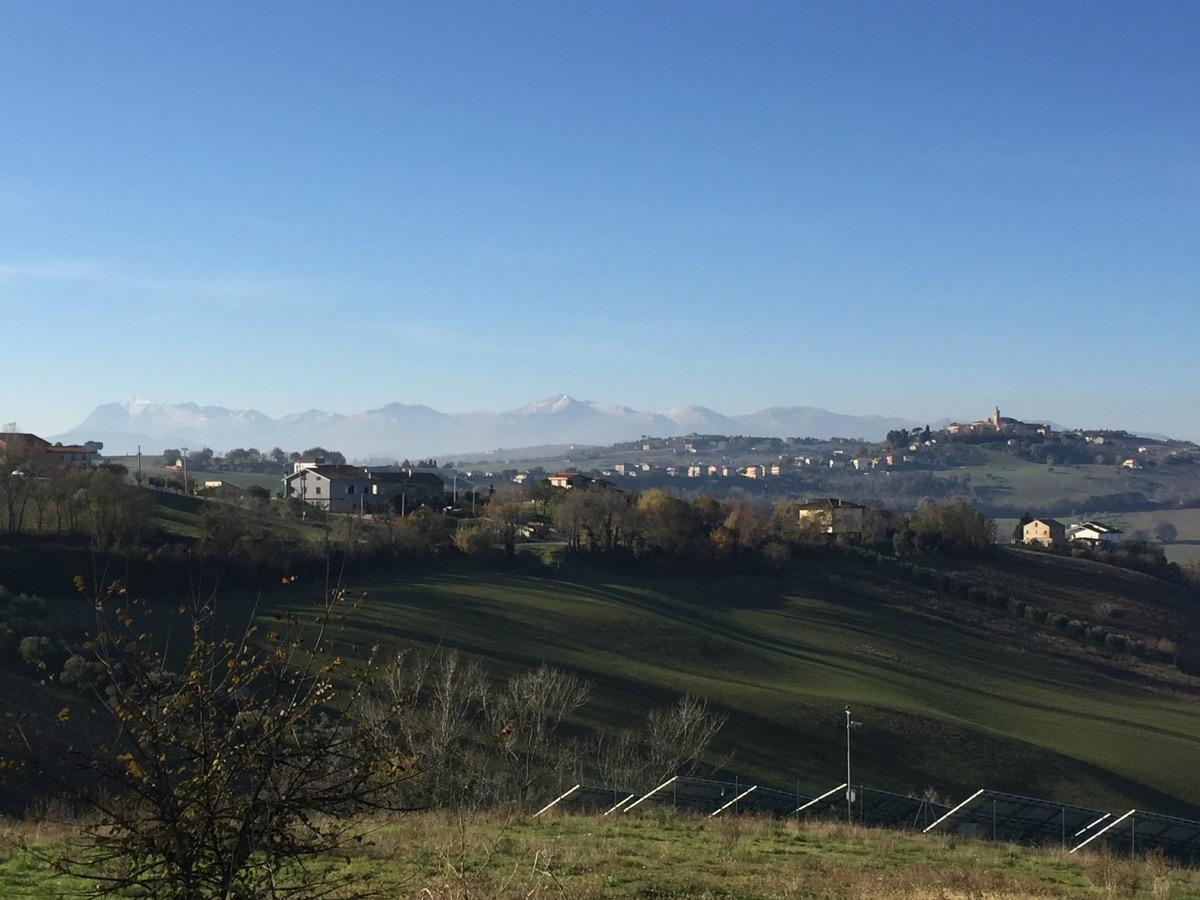 rapagnano, borgo della valle del tenna