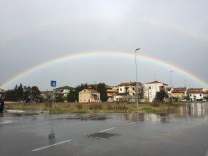 arcobaleno sole dopo pioggia
