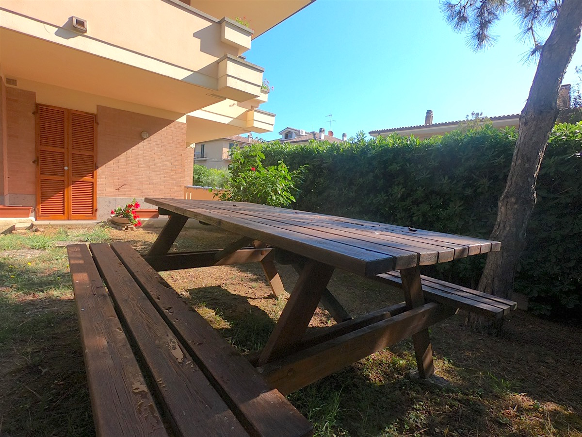 bnb-giardino-tavolo