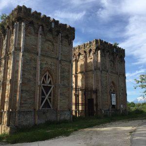 I torrioni dell'ex Tiro a Segno di Contrada San Paolino di Falerone