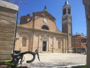 La Chiesa di San Pio V e la sua fontana a Grottammare