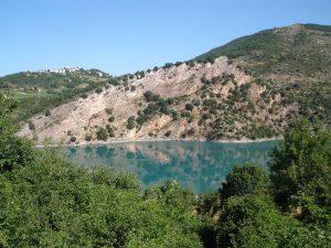 fiegni sul lago di fiastra