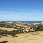 The valley of Ete Vivo: the sea and the fields