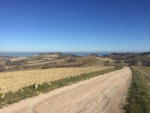 Scendendo al mare da Lapedona