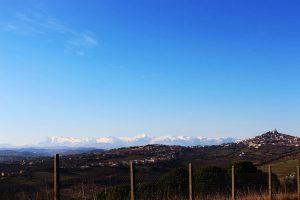 I Sibillini e la città di Fermo da Monte Cacciù