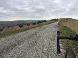 Strada spiana verso Monte Cacciù